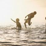 【gif】今回は泳いでみます。人が、いえタコが。海にいるやつね